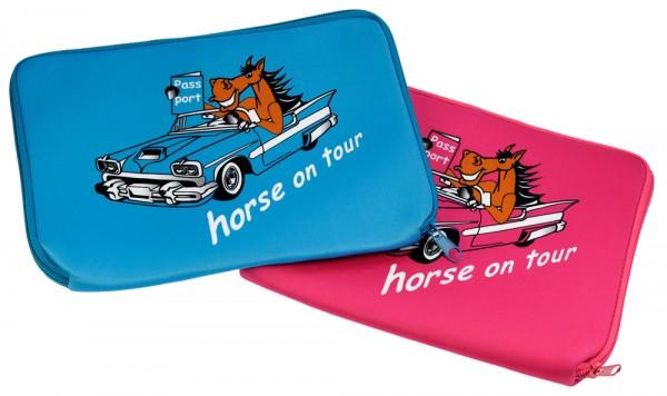 """Equidenpasshülle """"Horse on Tour"""""""